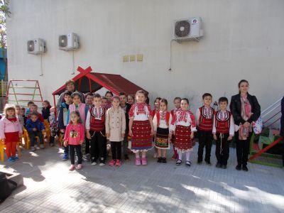 Малки танцьори от група Маргаритка - ДГ Звънче - Шумен